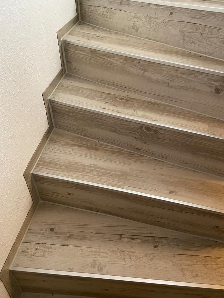 Treppe aus Designbelag